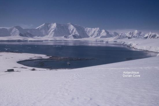 Antarctique Dorian Cove