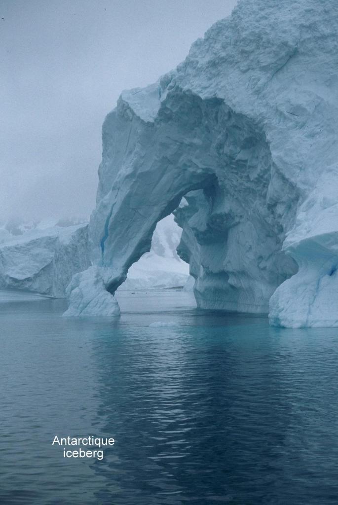 Antarctique Iceberg 2