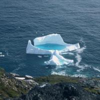 Antarctique iceberg piscine