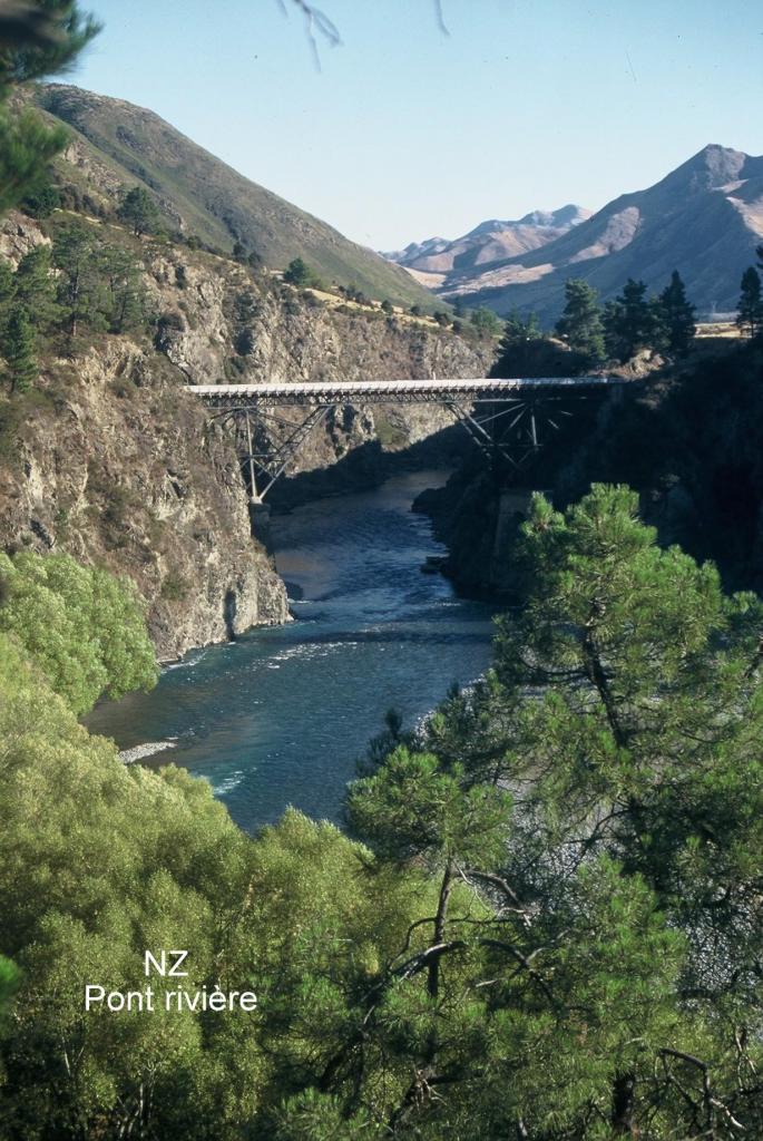 NZ  Pont rivière