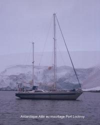 antarctique-alibi-mouillage-port-lockroy.jpg